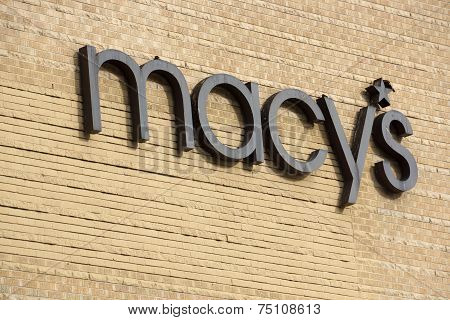 Macy's Store Sign In Honolulu
