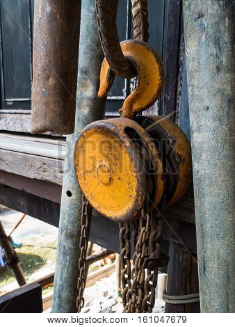 The steel pulley old For use in factory