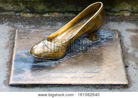 Cinderella lost her slipper on the stair