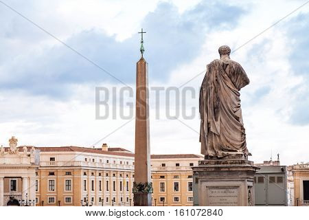 Statue Apostle Peter, Obelisk On St Peter Square