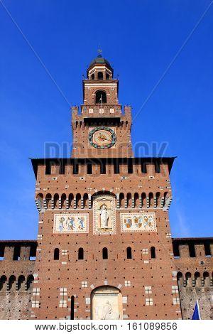 Sforza Castle Castello Sforzesco is a castle in Milan, Italy, was built in the 15th century by Francesco Sforza, Duke of Milan.