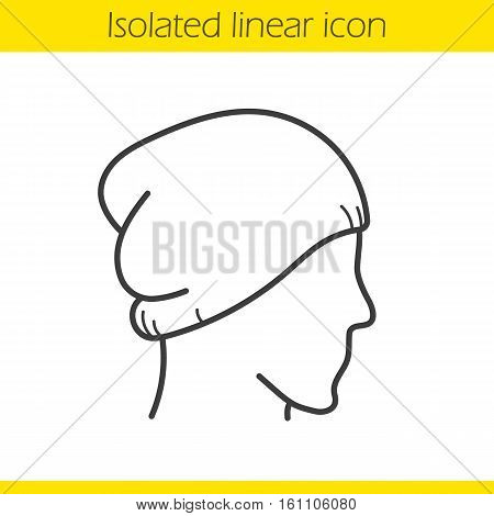 Winter hat linear icon. Thin line illustration. Ski cap on mannequin's head. Contour symbol. Vector isolated outline drawing
