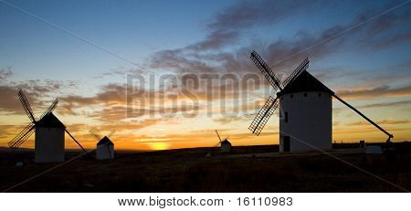 windmills at sunset, Campo de Criptana, Castile-La Mancha, Spain