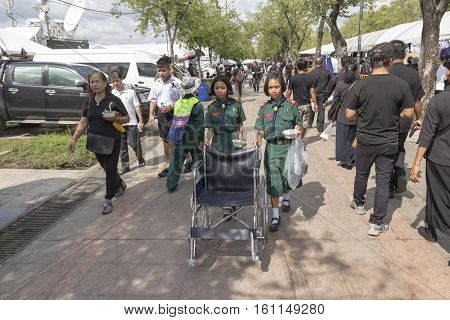 BANGKOK THAILAND - NOV 1 : student volunteer in Sanam Luang area while the funeral of king Bhumibol Adulyadej in Grand Palace on november 1 2016