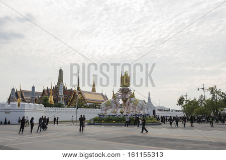 BANGKOK THAILAND - NOV 5 : mourners on Ratchadamnoen Nai road in sanam luang area while the funeral of king Bhumibol Adulyadej in Grand Palace on november 5 2016