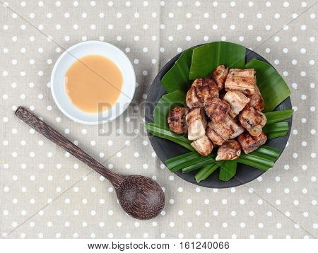 Thai Roasted Banana With Sweet Sauce