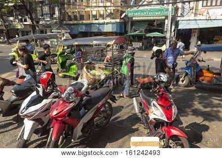 BANGKOK THAILAND - NOV 22 : scene of Pak Khlong Talat in afternoon on november 22 2016 thailand. flower market or Pak Khlong Talat is biggest wholesale fresh flower of Bangkok