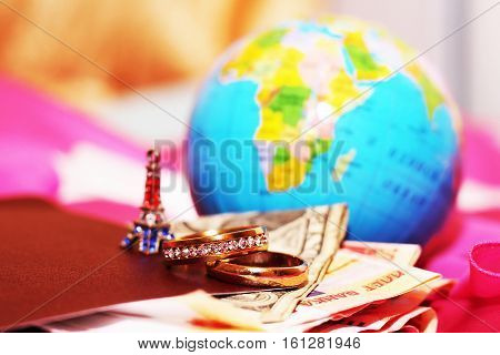 honeymoon trip, honeymoon, golden weddind rings, red heart