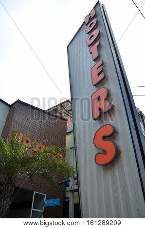 Hooters Exterior And Logo In Pattaya