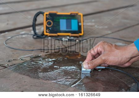 Ultrasonic test to detect imperfection or defect of steel plate NDT Inspection