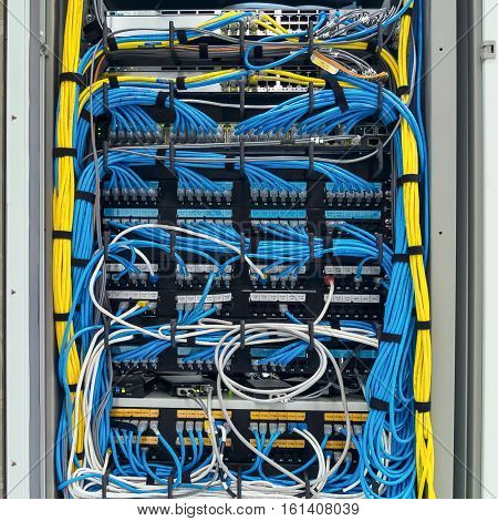 The LAN cable use server of factory