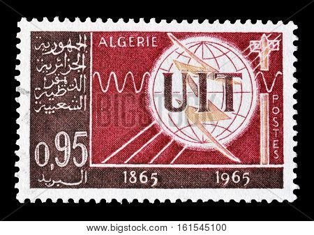 ALGERIA - CIRCA 1965 : Cancelled stamp printed by Algeria, that shows Mars and Earth.