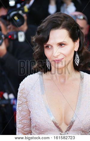 Juliette Binoche attends 'The Last Face' Premiere during the 69th annual Cannes Film Festival at the Palais des Festivals on May 20, 2016 in Cannes, France.