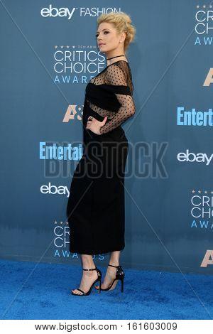 LOS ANGELES - DEC 11:  Katheryn Winnick at the 22nd Annual Critics' Choice Awards at Barker Hanger on December 11, 2016 in Santa Monica, CA
