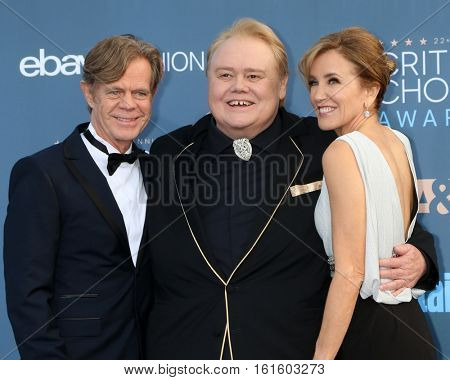 LOS ANGELES - DEC 11:  William H Macy, Louie Anderson, Felicity Huffman at the 22nd Annual Critics' Choice Awards at Barker Hanger on December 11, 2016 in Santa Monica, CA