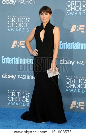 LOS ANGELES - DEC 11:  Constance Zimmer at the 22nd Annual Critics' Choice Awards at Barker Hanger on December 11, 2016 in Santa Monica, CA