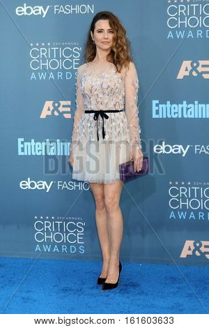 LOS ANGELES - DEC 11:  Linda Cardellini at the 22nd Annual Critics' Choice Awards at Barker Hanger on December 11, 2016 in Santa Monica, CA