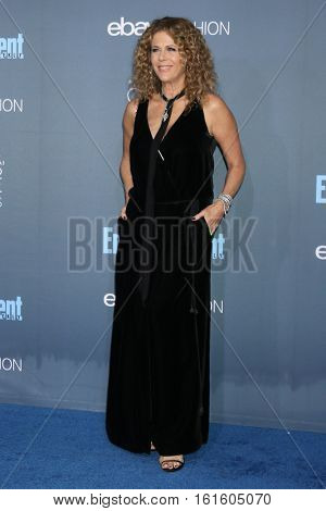 LOS ANGELES - DEC 11:  Rita Wilson at the 22nd Annual Critics' Choice Awards at Barker Hanger on December 11, 2016 in Santa Monica, CA