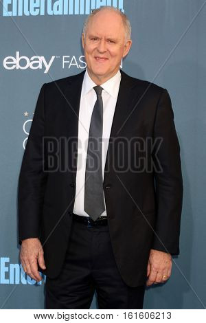 LOS ANGELES - DEC 11:  John Lithgow at the 22nd Annual Critics' Choice Awards at Barker Hanger on December 11, 2016 in Santa Monica, CA