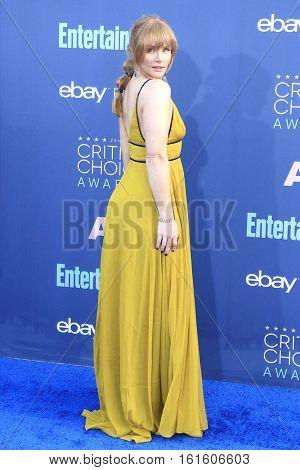 SANTA MONICA - DEC 11: Bryce Dallas Howard at The 22nd Annual Critics' Choice Awards at Barker Hangar on December 11, 2016 in Santa Monica, California