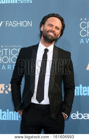 LOS ANGELES - DEC 11:  Walton Goggins at the 22nd Annual Critics' Choice Awards at Barker Hanger on December 11, 2016 in Santa Monica, CA