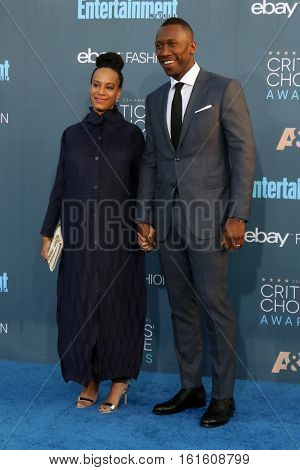 LOS ANGELES - DEC 11:  Amatus Sami-Karim, Mahershala Ali at the 22nd Annual Critics' Choice Awards at Barker Hanger on December 11, 2016 in Santa Monica, CA