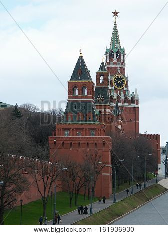 Kind on the Spassky tower of the Moscow Kremlin from Vasilevsky descent.