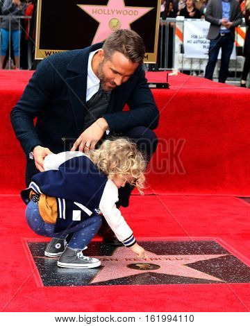 LOS ANGELES - DEC 15:  James Reynolds, Ryan Reynolds at the Ryan Reynolds Hollywood Walk of Fame Star Ceremony at the Hollywood & Highland on December 15, 2016 in Los Angeles, CA