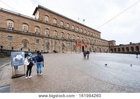 Ourists On Square Piazza Pitti Near Palazzo Pitti