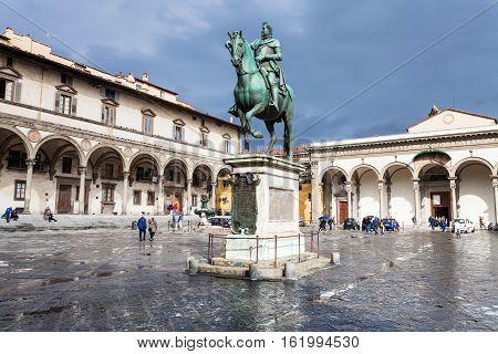 Monument On Piazza Della Santissima Annunziata