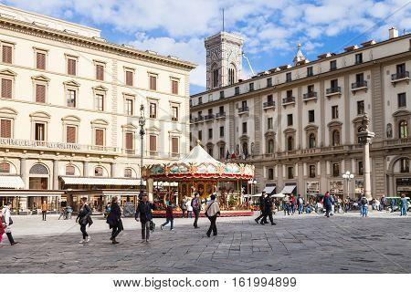 People On Piazza Della Repubblica In Florence