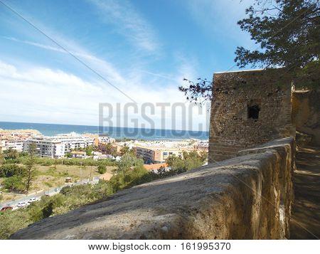 Muralla y torre del Castillo de Denia