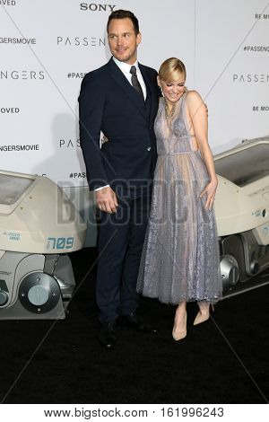 LOS ANGELES - DEC 14:  Chris Pratt, Anna Faris at the