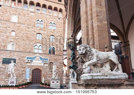 Statues In Loggia Dei Lanzi And Palazzo Vecchio