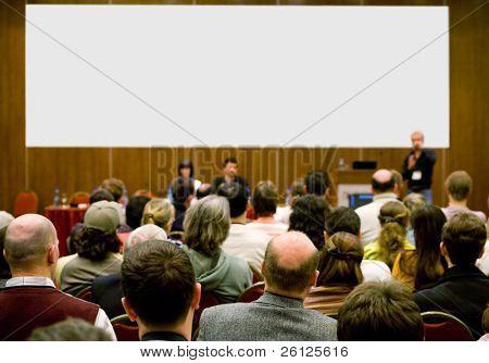 Konferenzraum voller Menschen, die Teilnahme an der Business-Training.