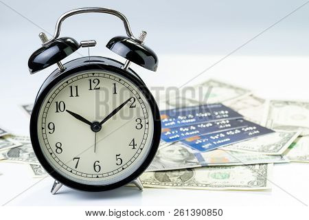 Time Countdown Or Deadline To Pay For Credit Card Debt, Financial Problem Habit Concept, Alarm Clock