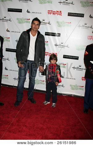 LOS ANGELES - NOV 27:  Galen Gering, son Dillon arrives at the 2011 Hollywood Christmas Parade at Hollywood Boulevard at Sycamore on November 27, 2011 in Los Angeles, CA