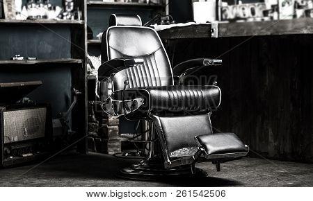 Barber Shop Chair. Stylish Vintage Barber Chair. Barbershop Armchair, Modern Hairdresser And Hair Sa