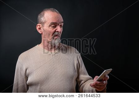 Old Man Don't Understand His Smart Phone