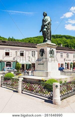 Salzburg, Austria - May 19, 2017: Mozart Monument Statue At The Mozartplatz Square In Salzburg, Aust