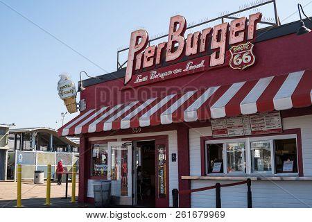 October 17 2017 - Santa Monica, Ca: Pier Burger Restaurant Is A Popular Fast Food Dining Establishme
