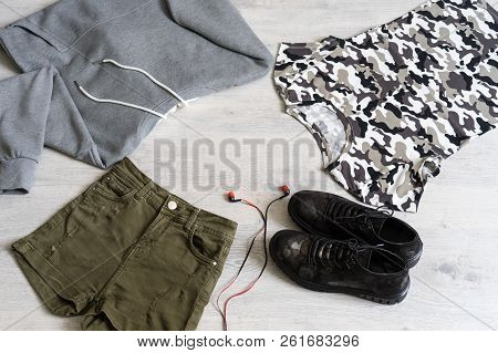 Teen Clothing Set: Grey Sweatshirt, Green Shorts, T-short And Boots In Military Style