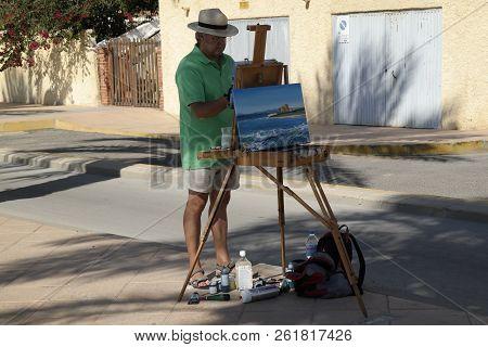 Pila De La Horadada Spain - 05 Oct 2018 : Painter At Work In Street