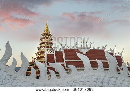 Wat Huay Pla Kang Temple Big Buddha At Dusk, Chiang Rai, Thailand, Southeast Asia, Asia