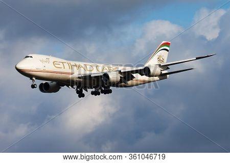 Amsterdam / Netherlands - August 14, 2014: Etihad Airways Cargo Boeing 747-8 N855gt Cargo Plane Arri