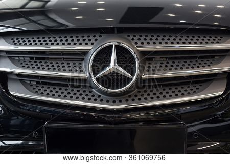 Russia, Izhevsk - February 20, 2020: Logo Of Mercedes-benz Car On Display In The Dealer Showroom.