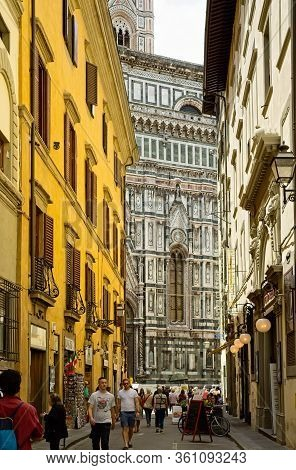 Florence, Italy - June 1, 2019: The Via Ricasoli Leads Directly Toward The North Facade Of The Cathe