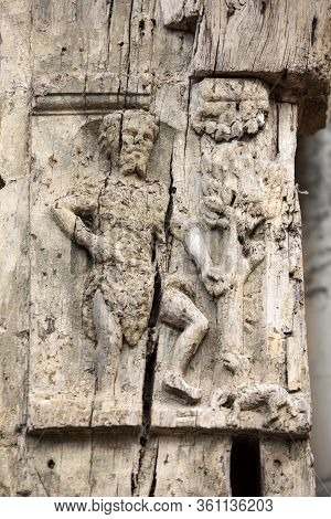 Wooden Bas-relief On The Wall Of A House In Medieval Troyes Old Town,  Aube, Champagne-ardenne, Fran