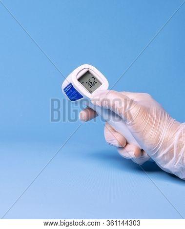 Human Woman Thermometre Doctor Medical Hand Corona