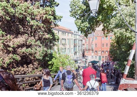 Venice, Italy, September 28, 2015 : Numerous Tourists And Residents Walk Around Ponte Dell Accademia